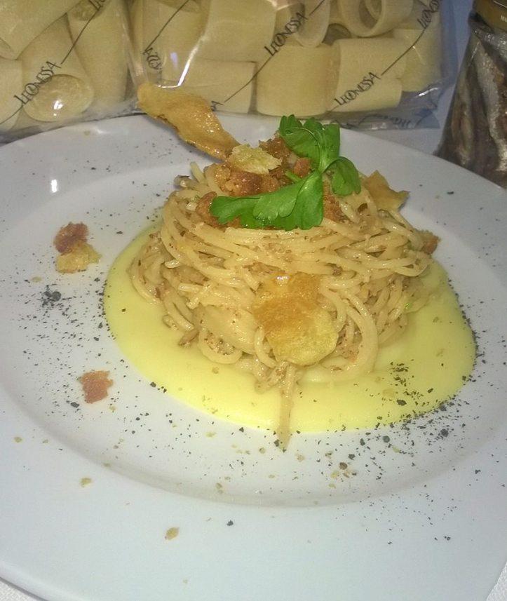 spaghettone atterrato intero